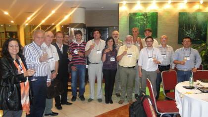Representantes da Filapi celebram os acordos de parceria e a união na apicultura Ibero latino-americana.